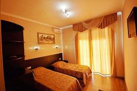 Отель с бассейном Кабардинка