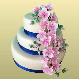 Трехэтажный торт на заказ