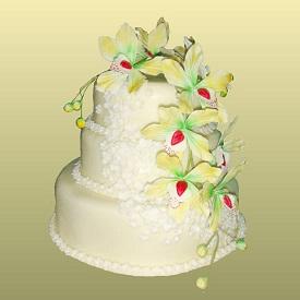 Торты на свадьбу с фигурками