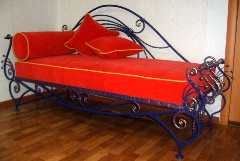Кованая односпальная кровать