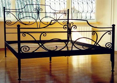Кованые односпальные кровати
